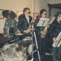 1988 Niño im letzten Ausbildungsjahr als Musikschüler beim Vorspielabend der damaligen Musikschule- an der Keytar bei Leroy Brown