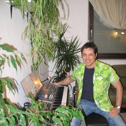 2005 Niño alias Entertainer Caribo