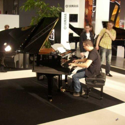2012 Musikmesse Frankfurt - Niño am großen Flügel