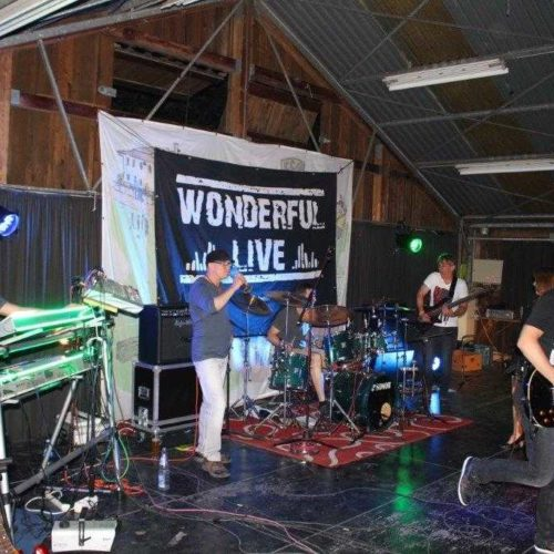 2015 mit Rock-Pop-Coverband Wonderful LiVe auf einer Privatfeier