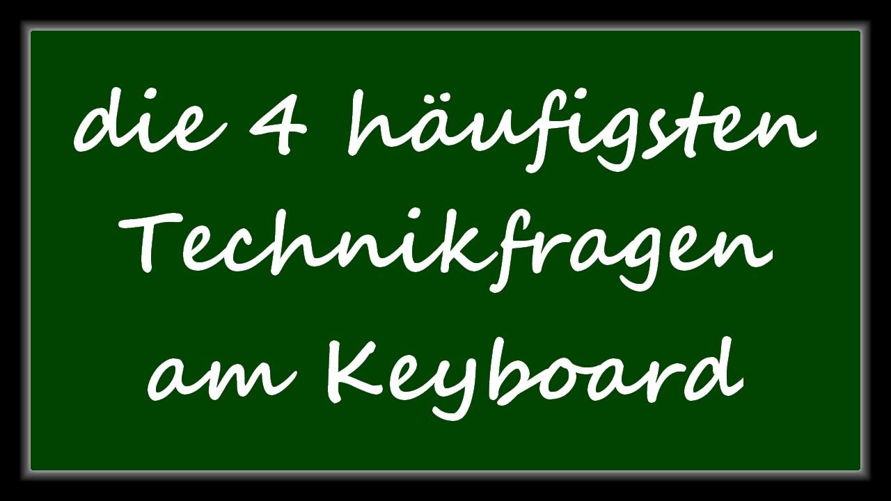 """Schrift """"die 4 häufigsten Technikfragen"""" auf Tafel"""