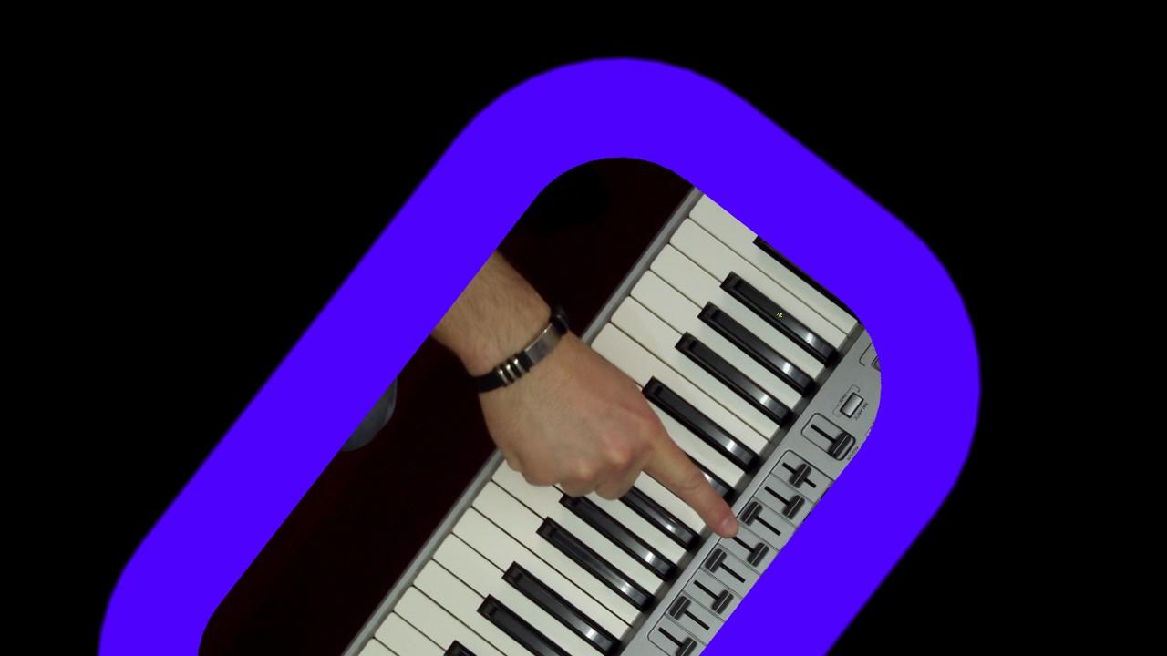 blauer Rahmen um Hand die Taste anzeigt