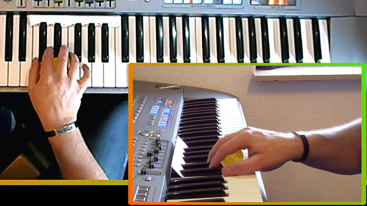 Hand zeigt ideale Handhaltung beim Keyboard lernen