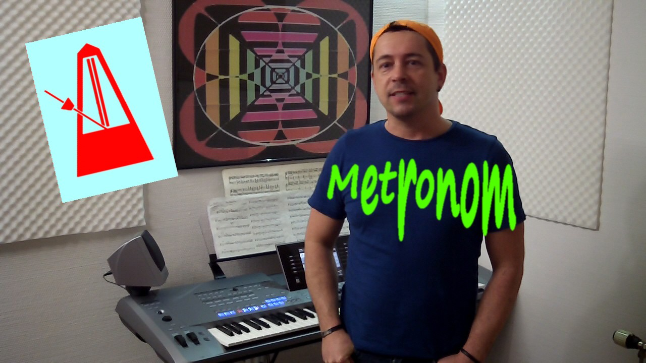 Niño erklärt im Onlinemusikunterricht das Metronom