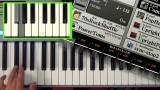 Hand spielt Single-Finger-Chord am Keyboard