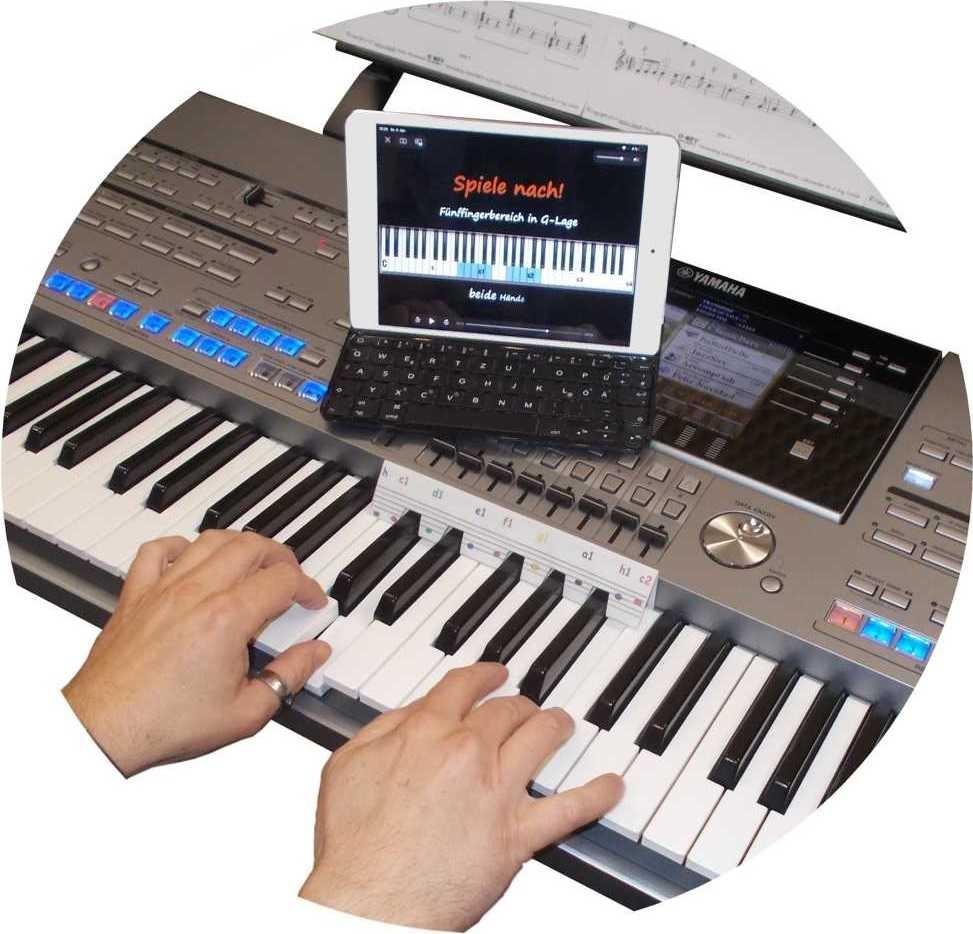 mit einem O-Key-Playalong interaktiv spielend Keyboard online lernen